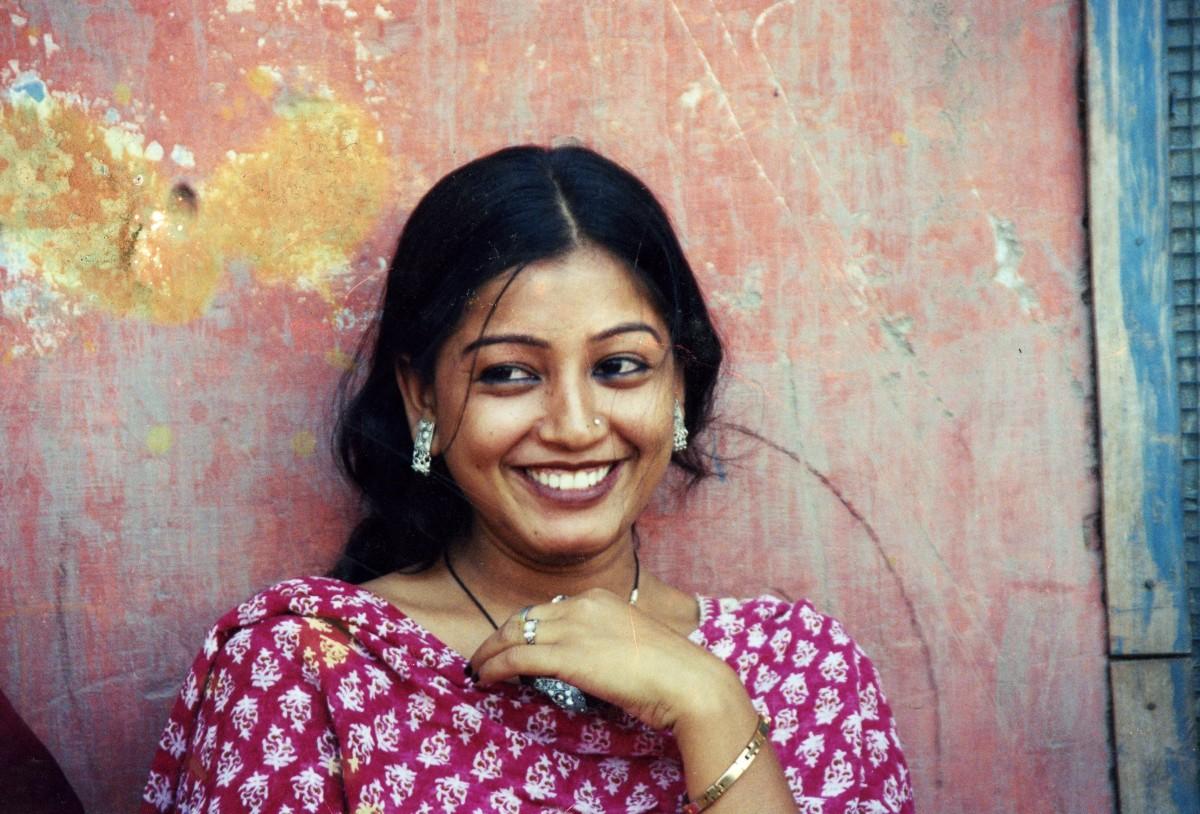 Indian_woman_smiles